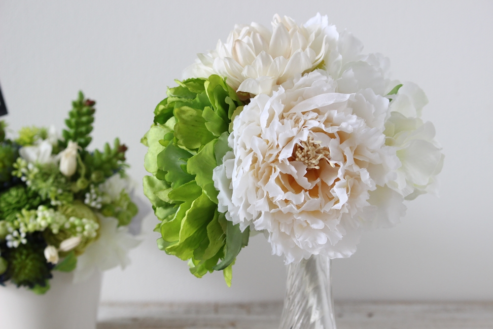 おむつを使用後、お花はお部屋のインテリアに華を添えますよ♪